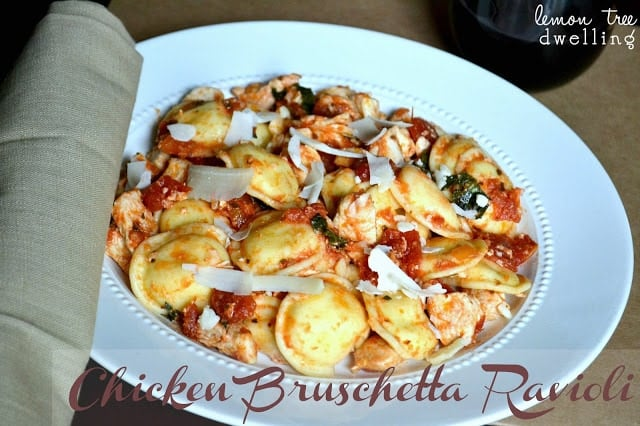 Chicken Bruschetta Ravioli is comfort food done right! This 5 ingredient dinner is on the table in 20 minutes or less and will please any picky eater. Delicious!
