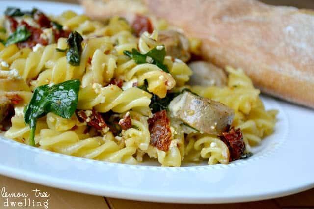 beautifully plated bowl of sundried tomato pasta