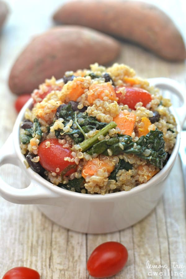 Sweet Potato Kale Quinoa with Southwest Vinaigrette - a delicious side dish or meatless main dish!