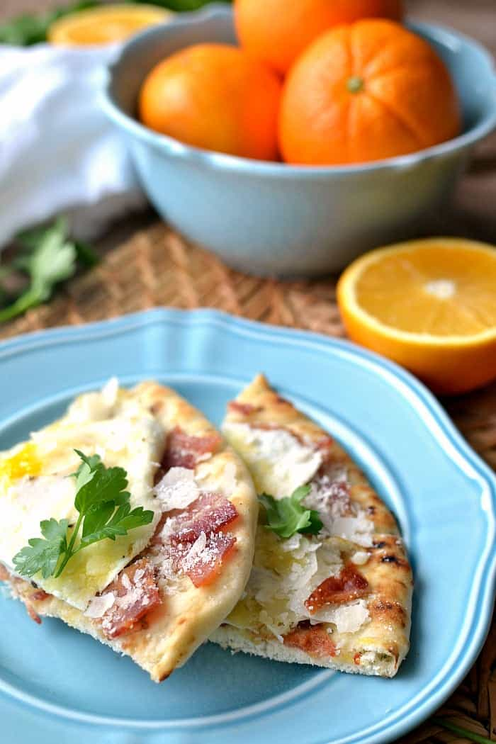 Breakfast Pizza Carbonara - just 10 minutes to a delicious meal. This would also make a great lunch or dinner!