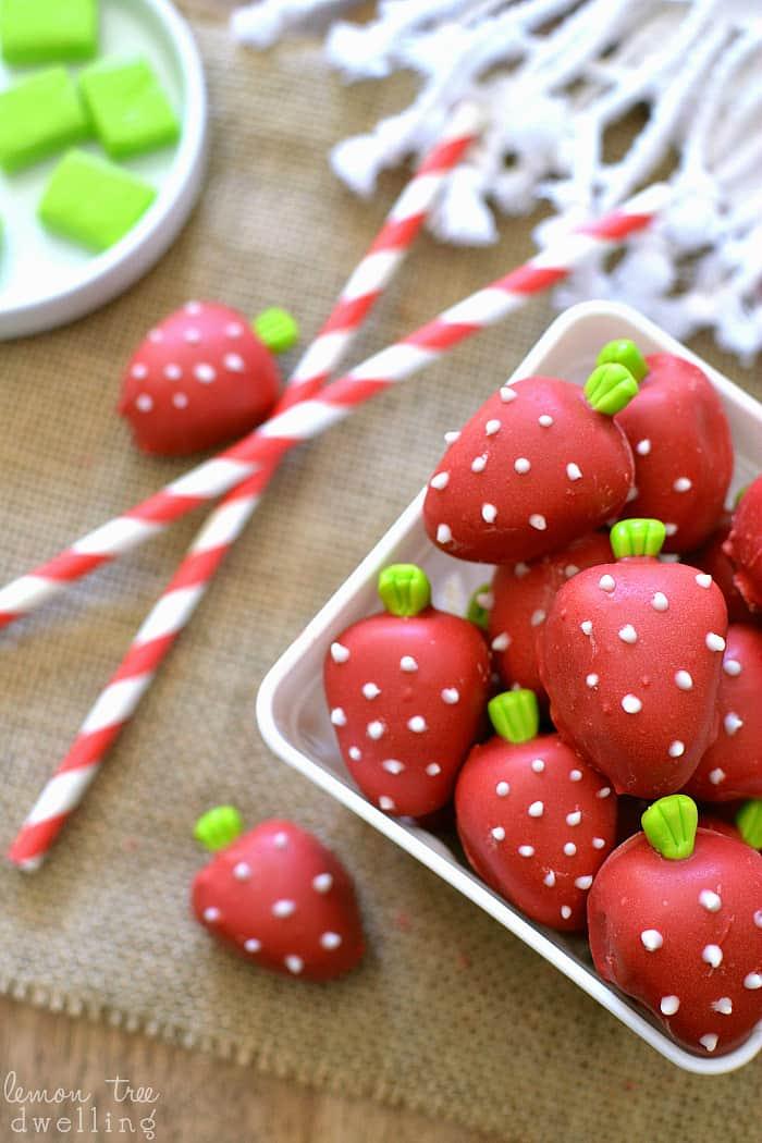 Strawberry Shortcake Oreo Truffles - these are SO adorable!!