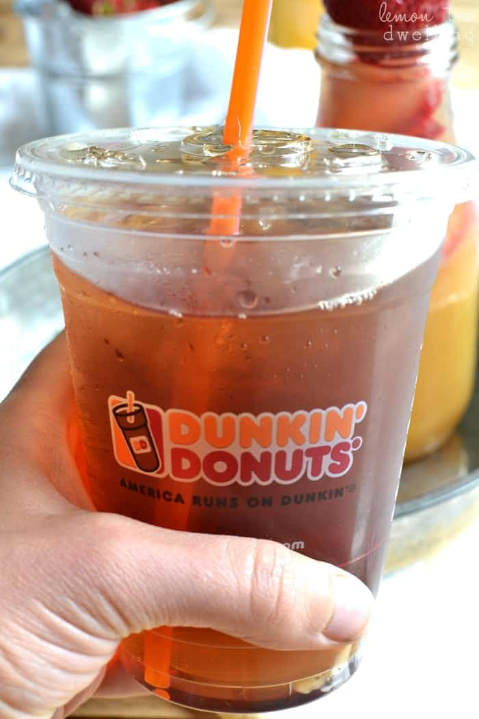 This Sunrise Sweet Tea is a perfectly delicious, refreshing, and energizing drink to get your morning started off right! #ddicedtea #spon #dunkindonuts
