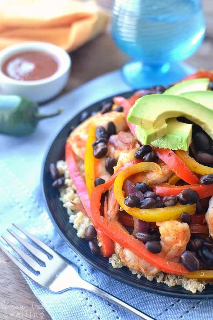 Shrimp Fajita Quinoa Bowls - a healthy, easy, and delicious way to enjoy fajitas!