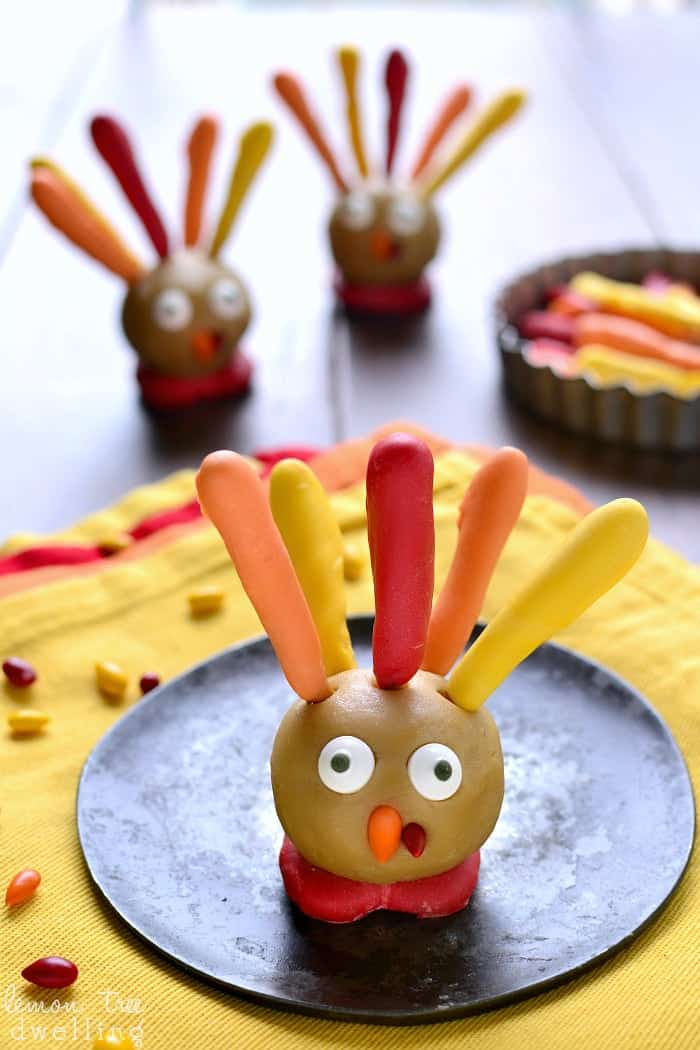 These Thanksgiving Cookie Dough Turkeys are simple, delicious, and SO fun for Thanksgiving! They're perfect for a class party or Thanksgiving dinner, and best of all, easy enough for little hands!