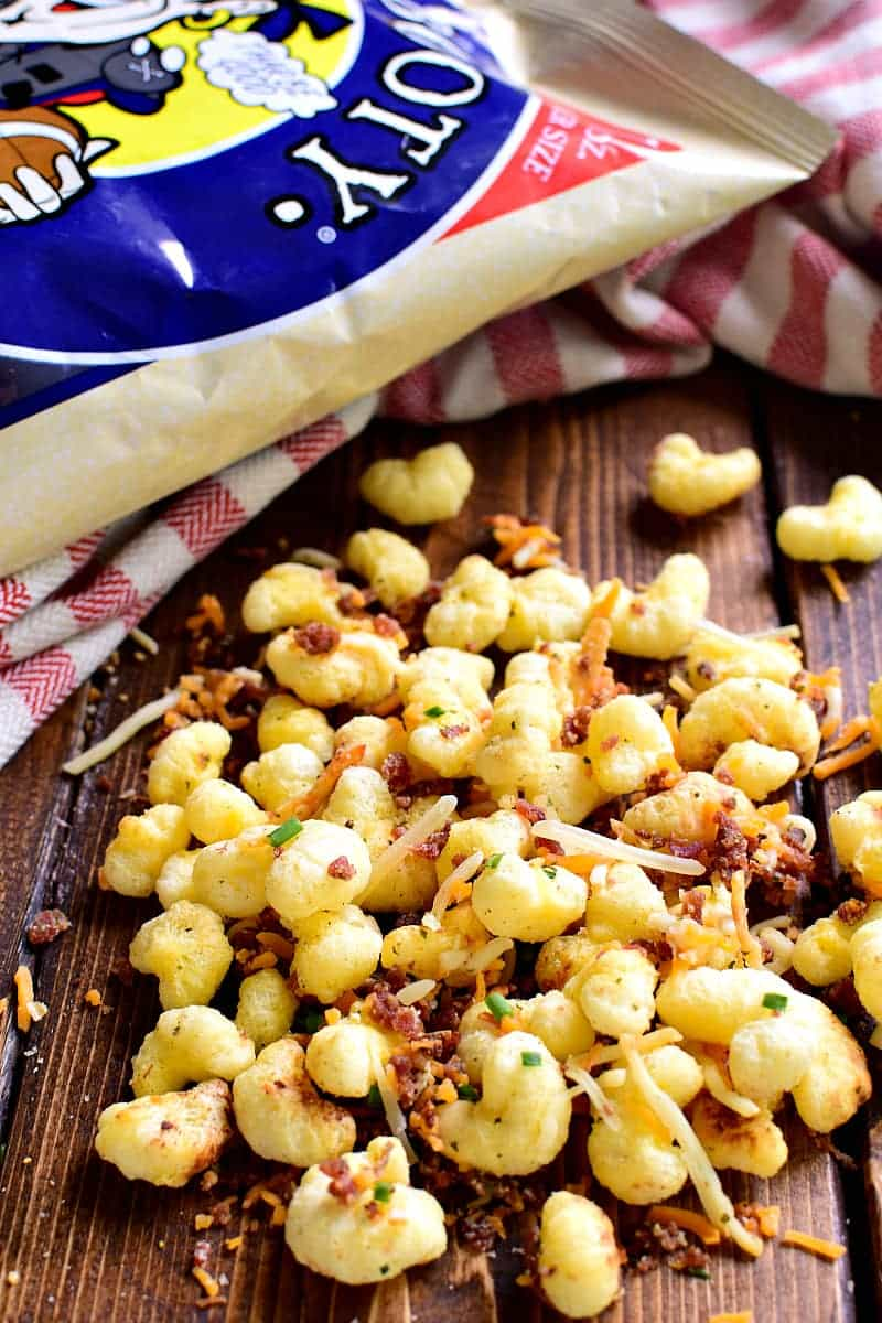 This Bacon Cheddar Ranch Snack Mix combines all the best flavors in one delicious mix! Made with just 5 ingredients, it comes together quickly and is perfect for game day!