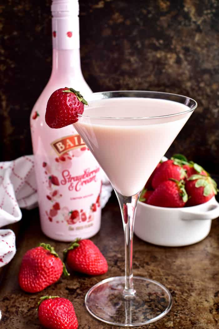 Strawberry Shortcake Martini with Baileys Strawberries & Cream bottle